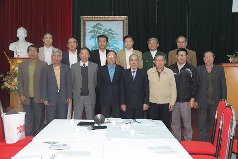 Thường trực chụp ảnh chung tại phiên họp đầu tiên