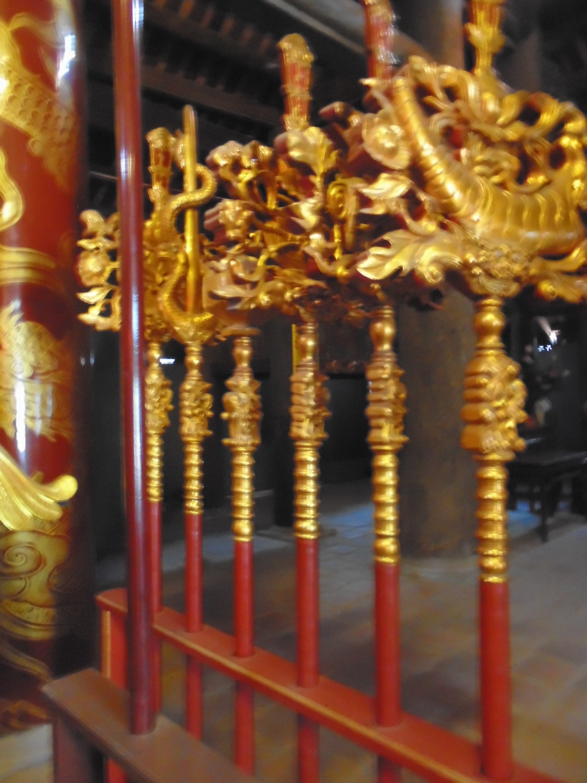 Bộ bát bửu tại đình Hương Canh, huyện Bình Xuyên, Vĩnh Phúc.