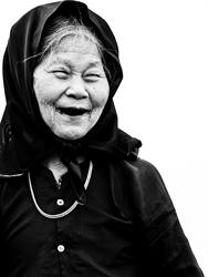Bà cụ nông dân đồng bằng Bắc Bộ. Ảnh: Nguyễn Anh Tuấn