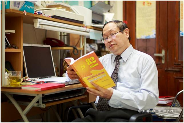 PGS.TS.NGƯT Ngô Đăng Tri là Phó Chủ nhiệm Khoa Lịch sử (2005- 2009); Chủ nhiệm Bộ môn Lịch sử ĐCSVN(1997- 2005; 2009-nay).