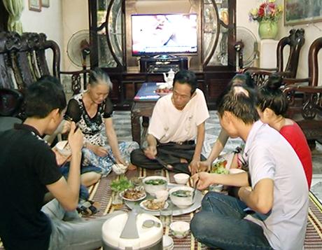 Nước Mắm Quan Trọng Thế Nào Trong Bữa Cơm Người Việt